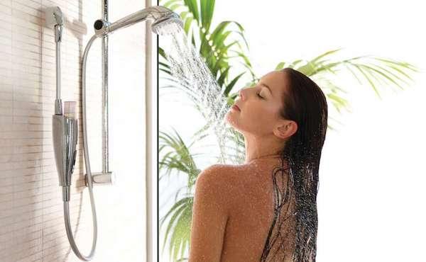shower woman3