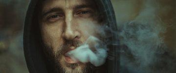 タバコと髪の毛は関係ない?禁煙で薄毛・抜け毛は改善される!?
